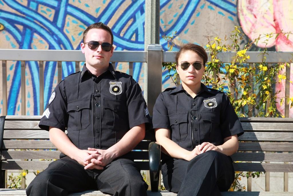האם שוטר רשאי לעצור כל אחד?